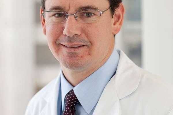 headshot of shawn larson, MD